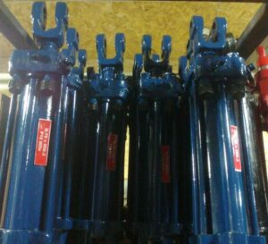 Цилиндры гидравлические для трактора МоАЗ