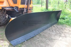 Гидрофицированное бульдозерное оборудование на тракторе «Станислав»
